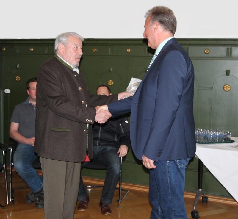 Präsident Peter Bleich und Bürgermeisterstellvertreter Thomas Gsell