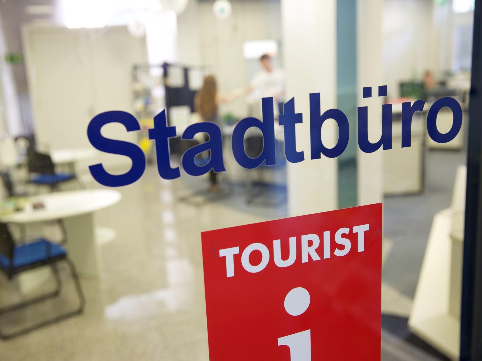 Stadtbüro, Touristinformation und Soziales