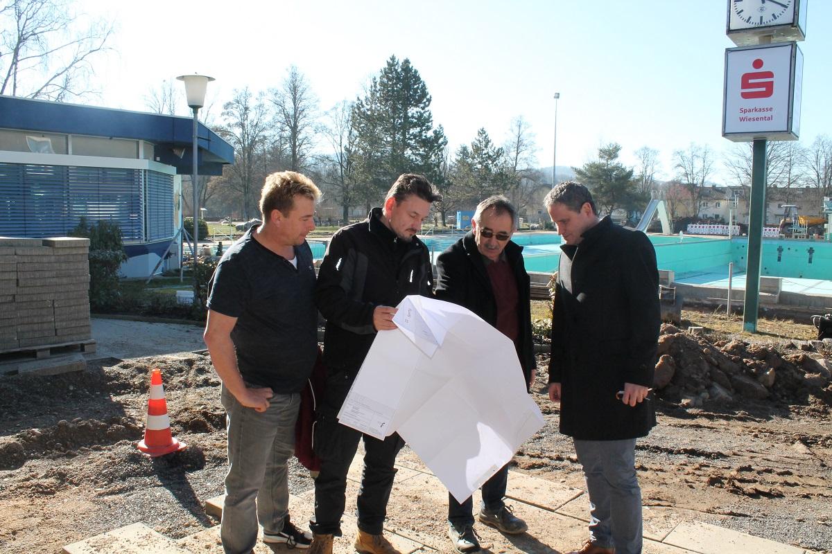Matthias Wüst, Fachgruppenleiter Gerd Woop, Günter Sutter, Bürgermeister Dirk Harscher