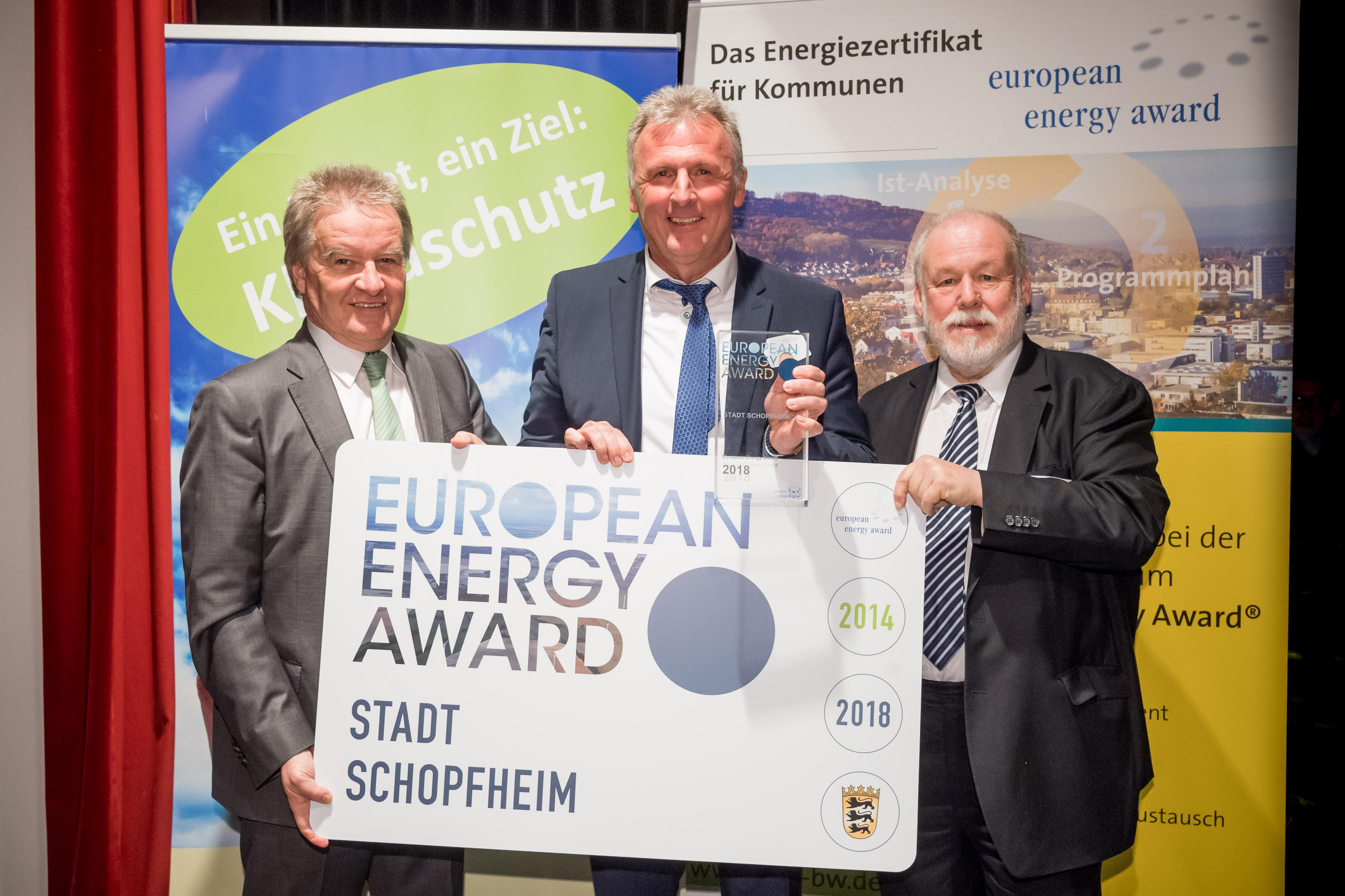 Umweltminister Franz Untersteller, Bürgermeister-Stellvertreter Thomas Gsell, Dr. Armand Dütz