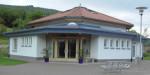 Aussenansicht des Maibergsaals in Enkenstein