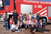 Besuch vieler Kinder bei der Freiwilligen Feuerwehr in Schopfheim