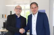Patrik Bender und Bürgermeister Drik Harscher