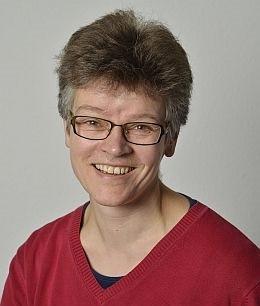 Referentin Frau Getrud Falk
